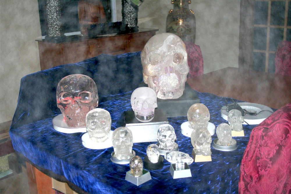 Crystal Skulls phenomena  Philippe-William Sinclair
